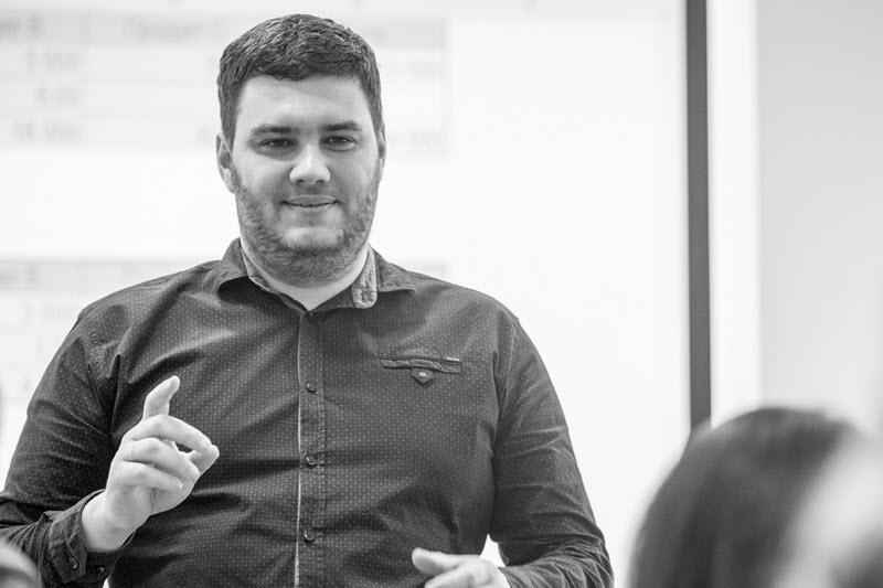 алексей кучеров руководитель и ведущий эксперт компании стратегический партнер днепр